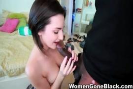 Video porno grosse fesse nue elle ce lava nue
