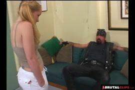 Telecharger video pornographique où on suce les seins de la femme