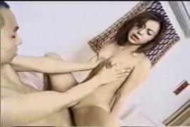 Porno des femmes camerounaises aux gros seins et chien