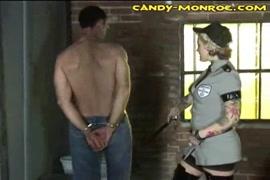 Le violeur de famme du monde porno
