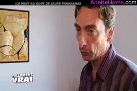 Couple amateur se faisant sucer avec du sperme dans la bouche sur webcam.